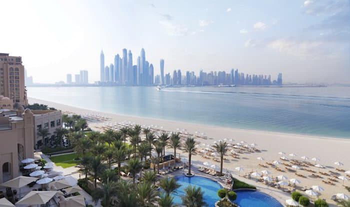 Best Beach Hotels in Dubai - Fairmont The Paln