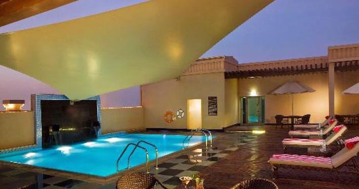 Cheap hotels dubai cheapest budget low cost hotels in for Low budget hotel