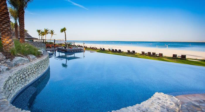 The Best Family Hotel in Dubai - The JA Palm Tree Court