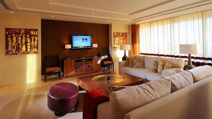 The Best Business Hotel Dubai: Raffles Dubai