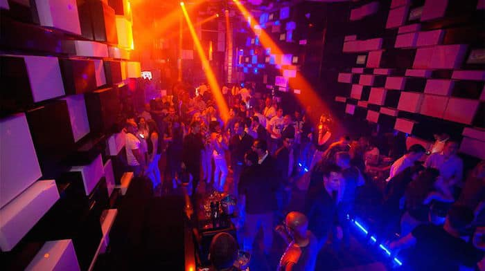 hook up clubs in dubai